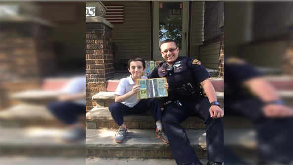Cleveland police officer replaces boy's stolen Pokemon cards_149271