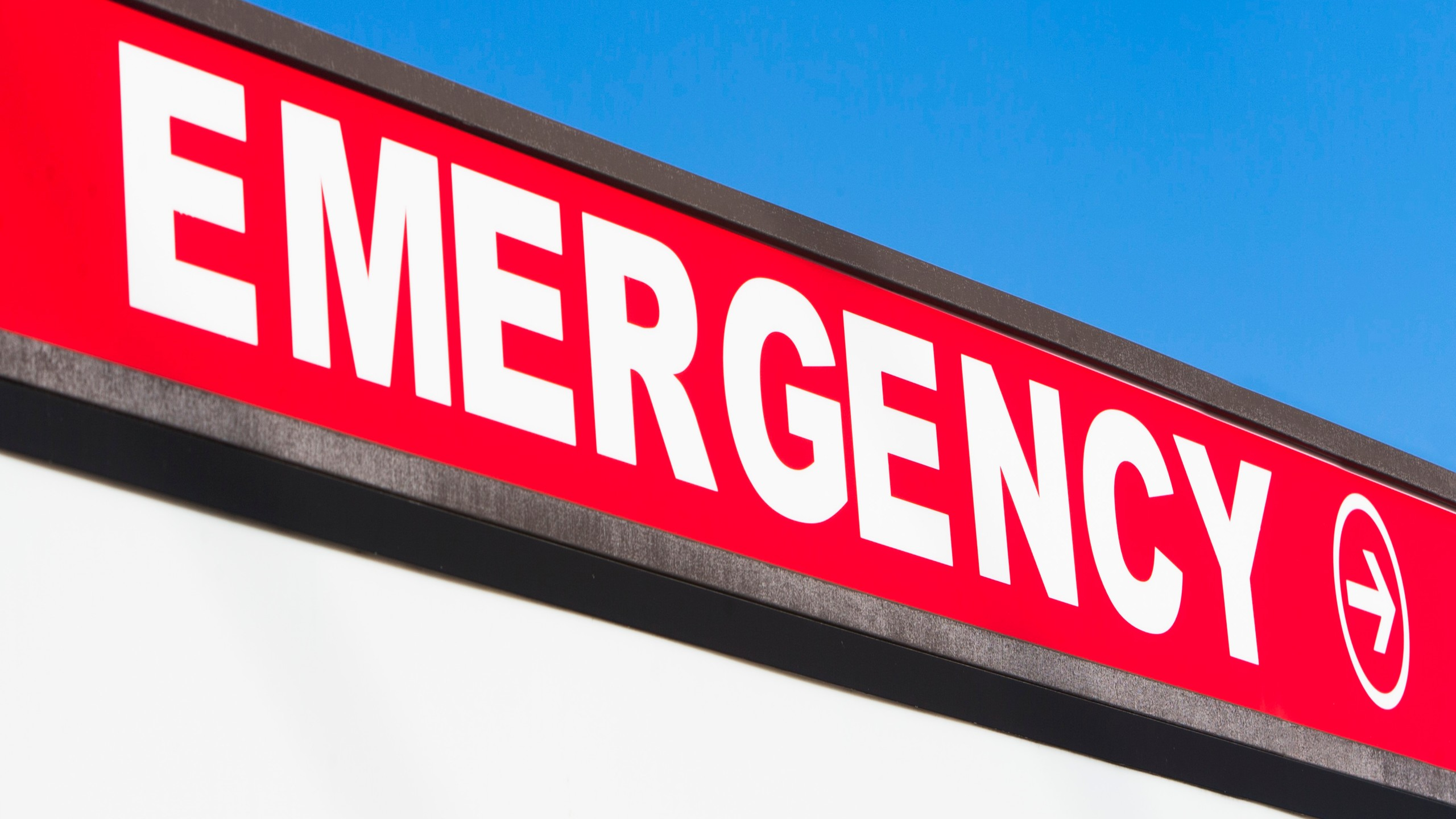 Hospital emergency sign, New York State, USA_156952
