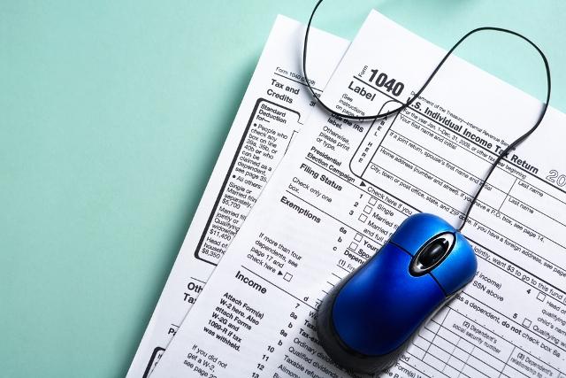 taxes-online-generic-shutterstock1_344198