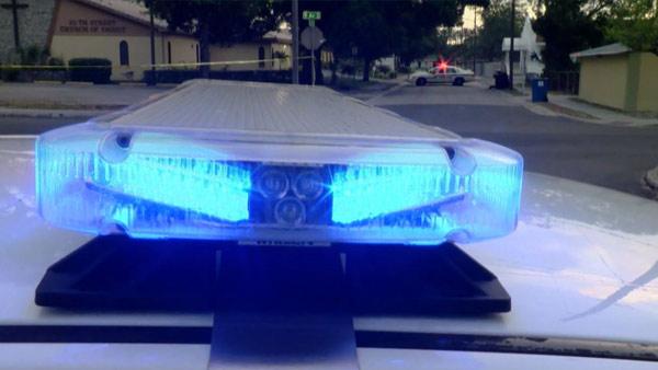 R-POLICE-LIGHTS-NEIGHBORHOO_365588