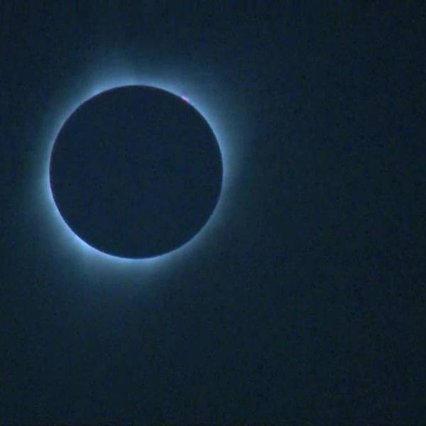 Solar eclipse turns day into night