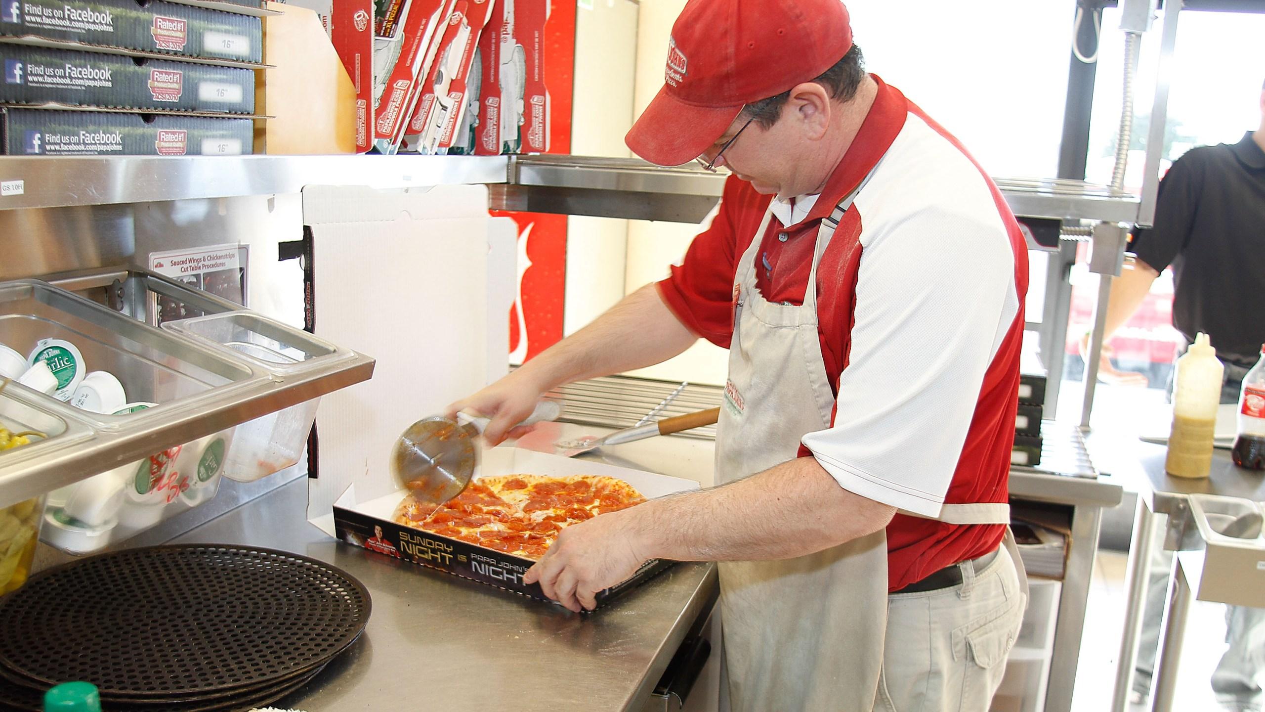 Former NFL Star Cris Carter Delivers Papa John's Pizza In Phoenix, Arizona_487886