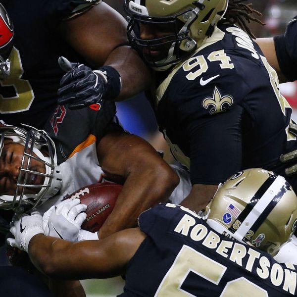 Tampa Bay Buccaneers v New Orleans Saints_492633