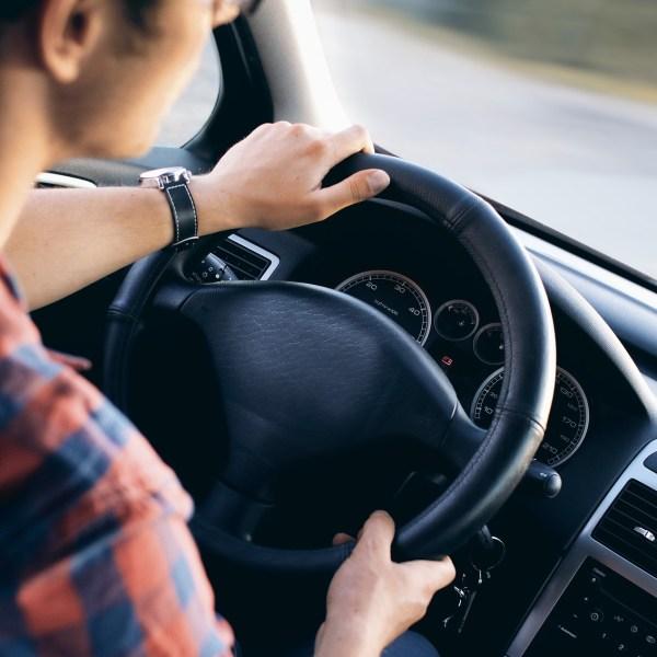 driving-2934477_1920_519033