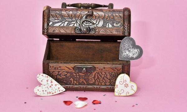 treasure-hunt-valentines-day-gift_1517261660650_337717_ver1-0_32896335_ver1-0_640_360_550996
