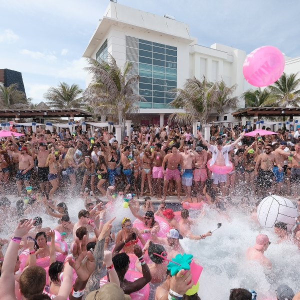 Cancun-846655081