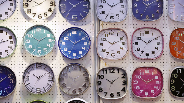 analog clocks_1525633656721.jpg.jpg