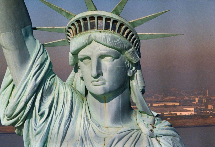 STATUE OF LIBERTY UNVEILING 1986_1529257693737