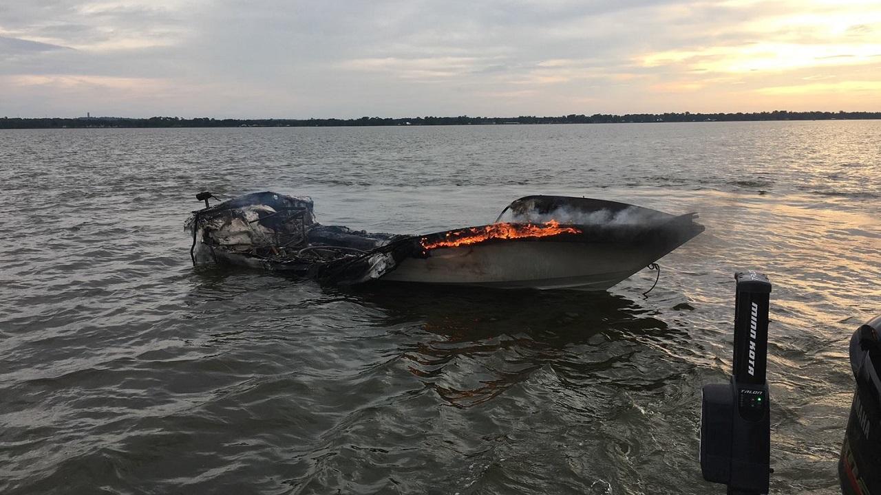 lake wales boat fire_1532269459880.jpg.jpg