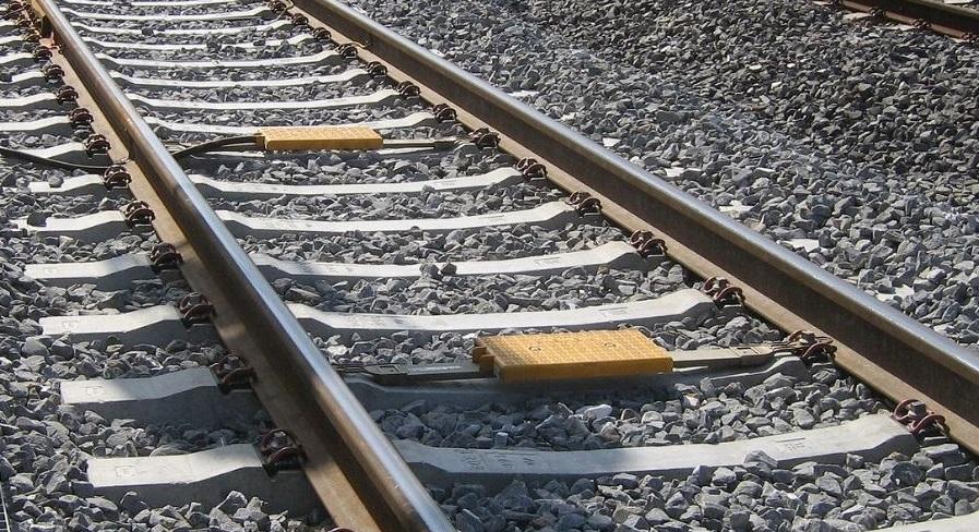 railroad tracks generic_1532298578778.JPG.jpg