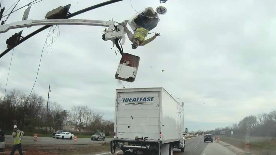 Truck_crash_sends_worker_flying_out_of_c_0_20190307170507