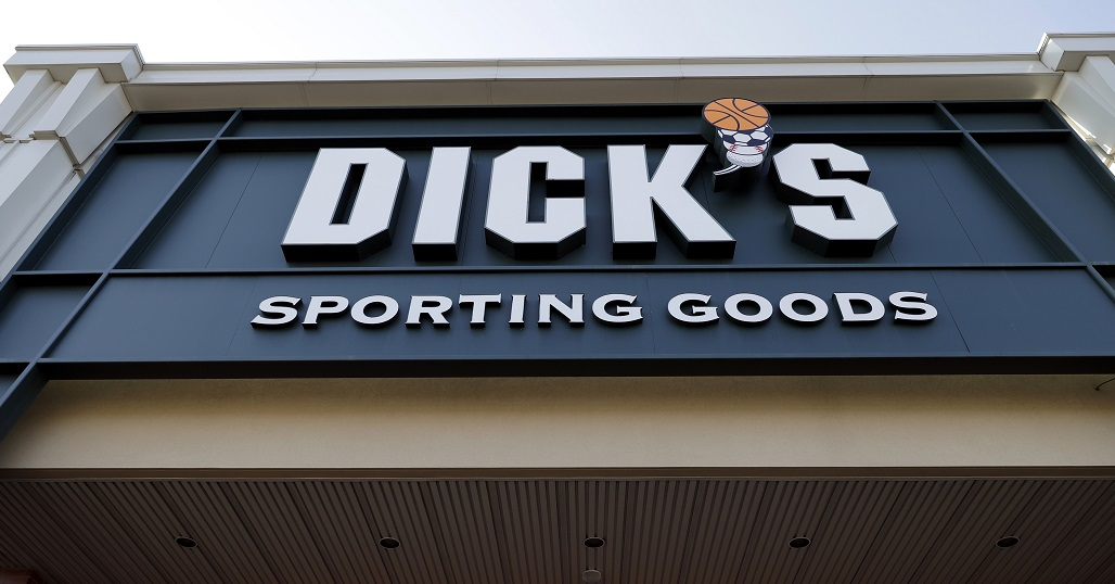 Earns Dicks Sporting Goods_1552585743480