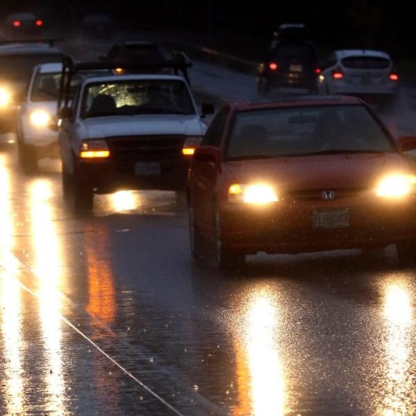 headlights in rain_1552557723829.jpg.jpg