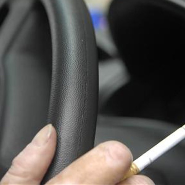 smoking-in-cars_342548-873772846