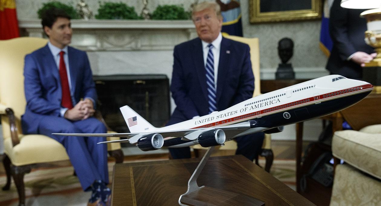 Trump Air Force One_1561131037879