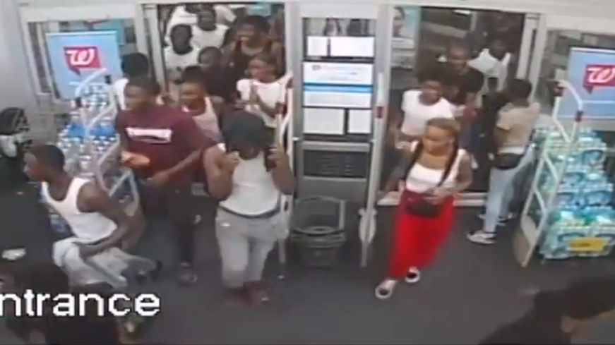 WATCH: Mob of 60 storms Walgreens store in robbery | WFLA