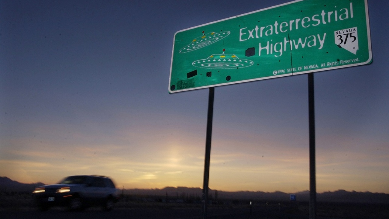 250 000 People Pledge To Storm Area 51 To See Them Aliens Wfla