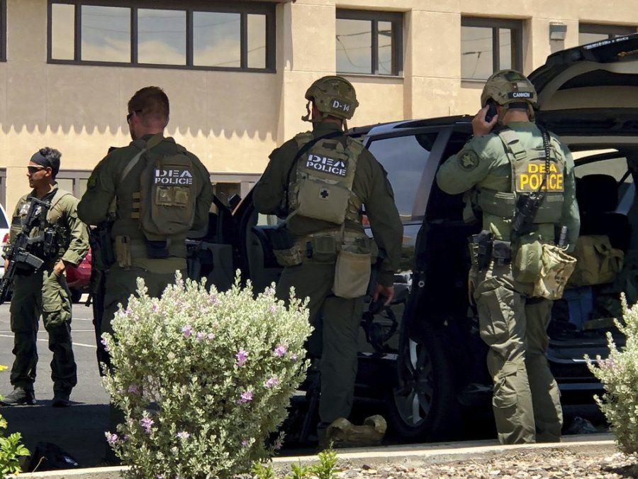 WARNING – Graphic video: 20 dead in El Paso shopping-complex