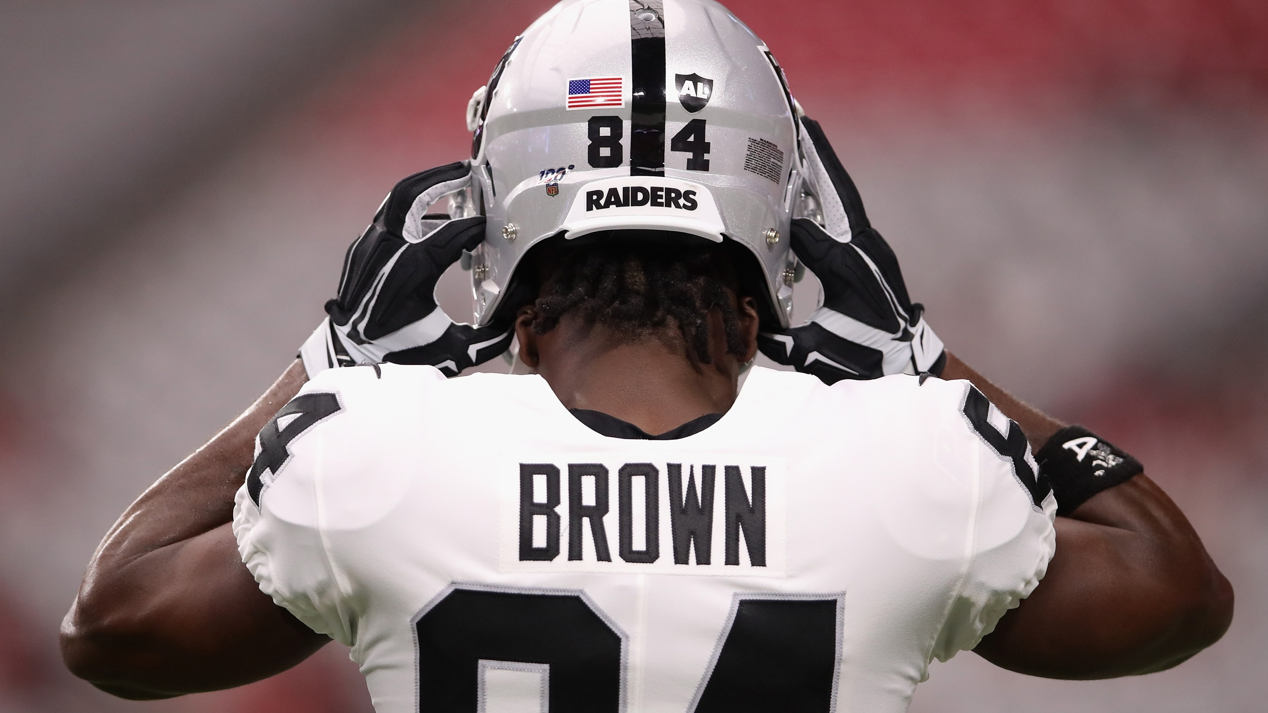 new arrival 63f37 92679 Cut by Raiders, Antonio Brown is a Patriot on eve of opener ...