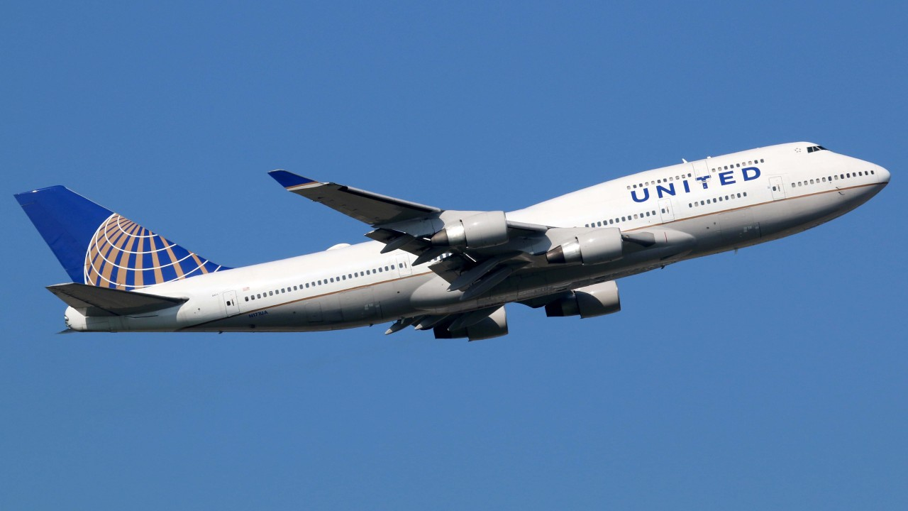 United Airlines increases checked-bag fees