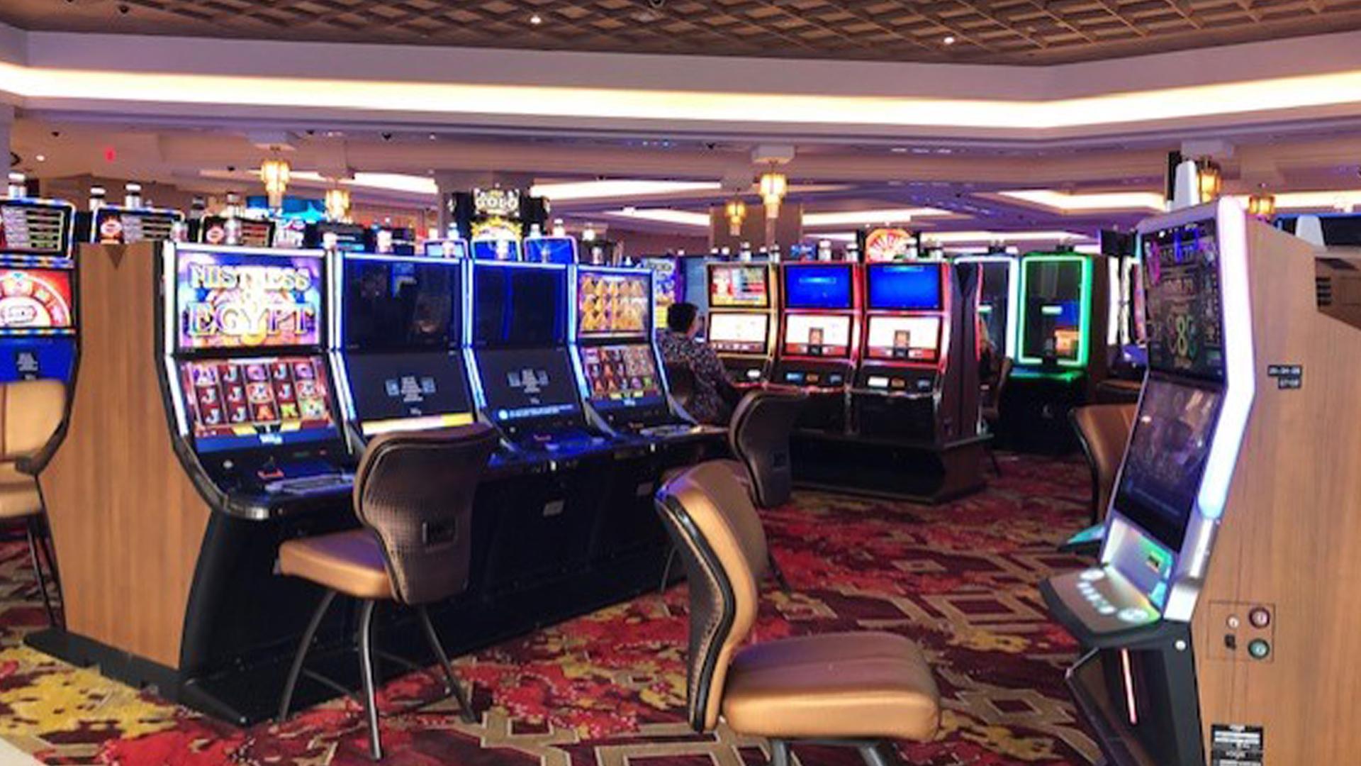 Seminole casino gaming deal or no deal slot machine vegas