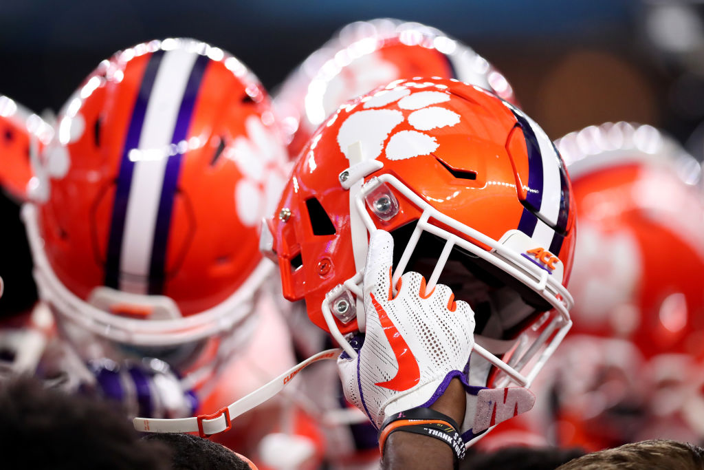 23 Clemson Football Players Test Positive For Covid 19 Wfla