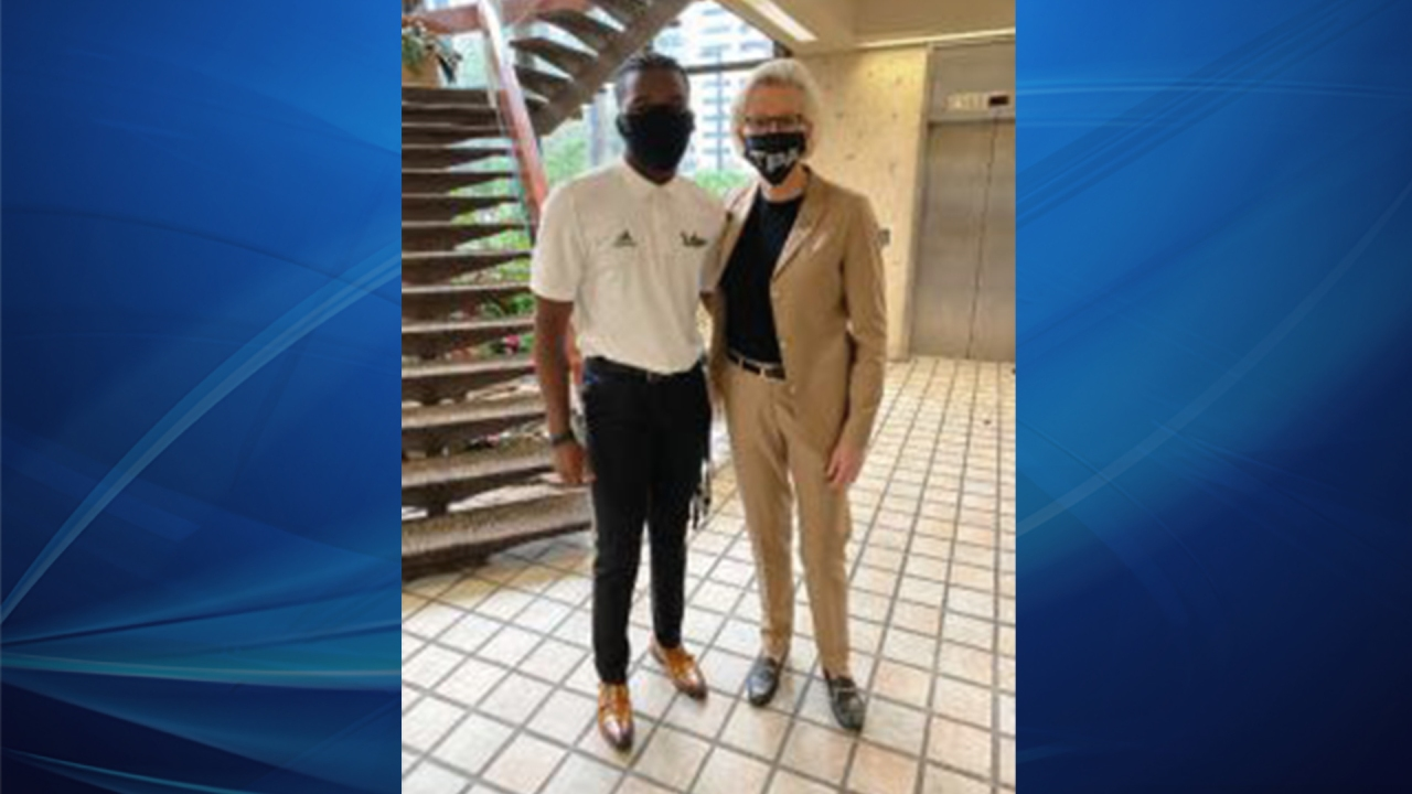 USF QB, brother, friends meet with Mayor Castor to share ideas on unifying community