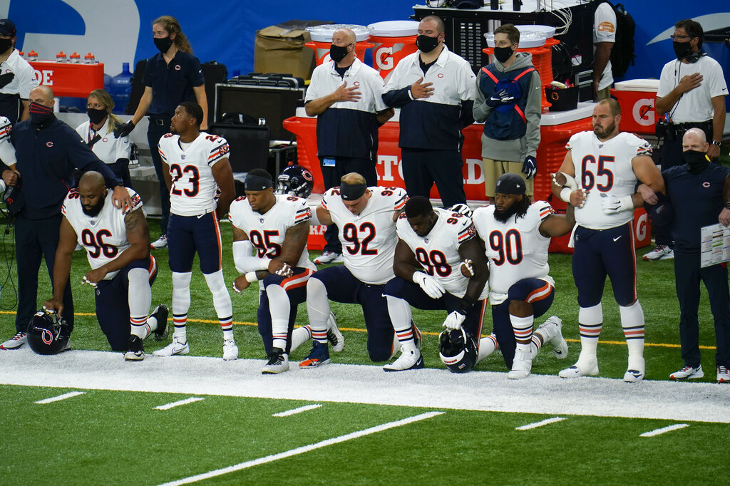 Photos Some Nfl Players Kneel Or Remain In Locker Room During Anthem Wfla