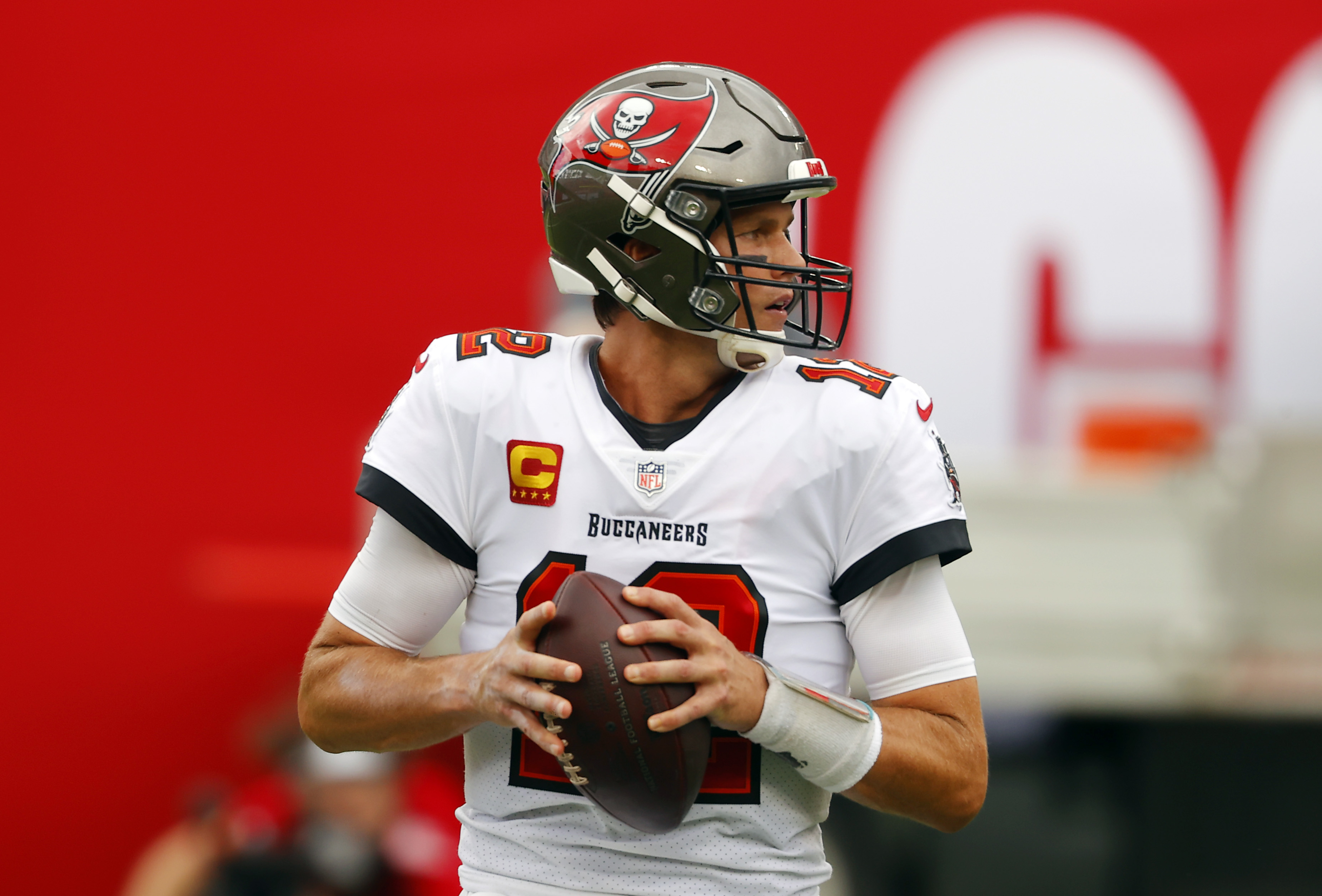 Brady Led Bucs Can Clinch Playoff Spot With Win Over Lions Wfla