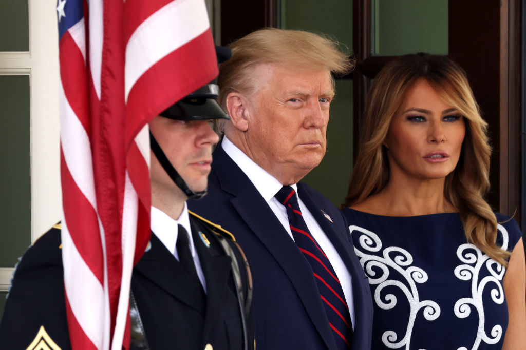 El presidente Trump 'sigue fatigado pero de buen humor' tras el diagnóstico  de coronavirus | WFLA