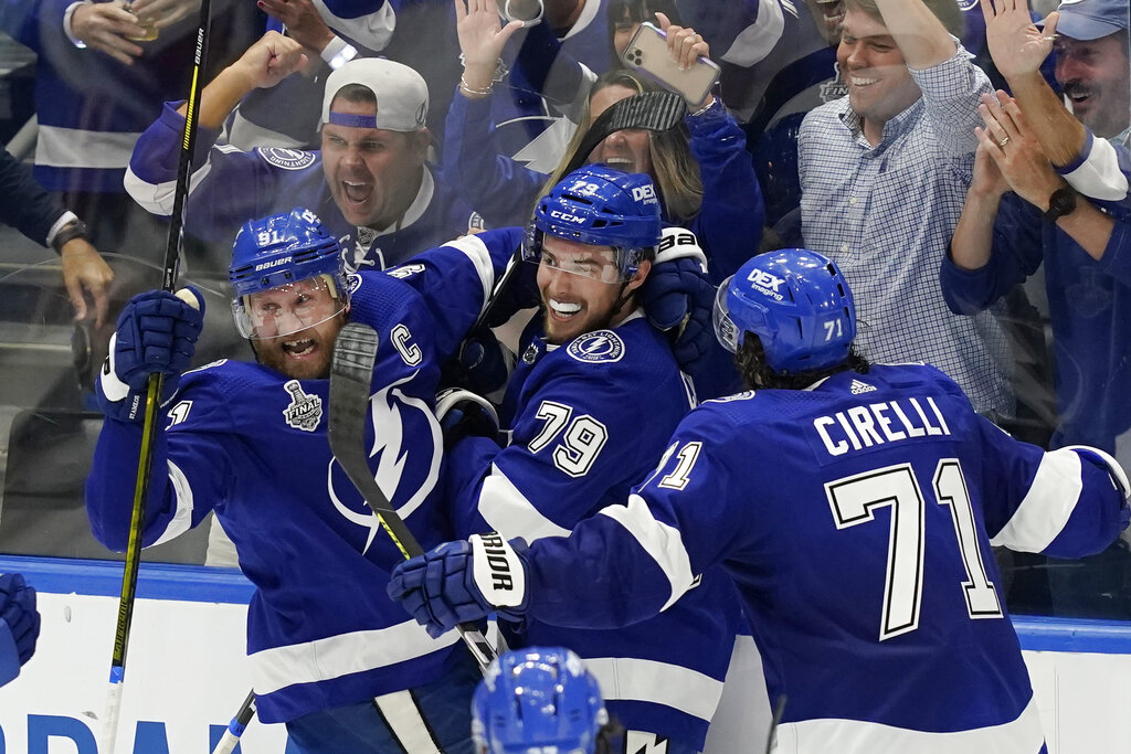 Fans celebrate Lightning's back-to-back Stanley Cup win