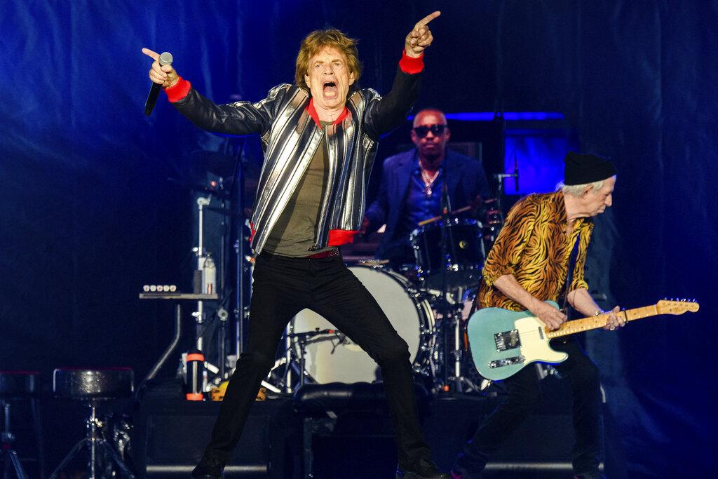 Los Rolling Stones rinden homenaje a Charlie Watts al abrir su gira  americana | WFLA